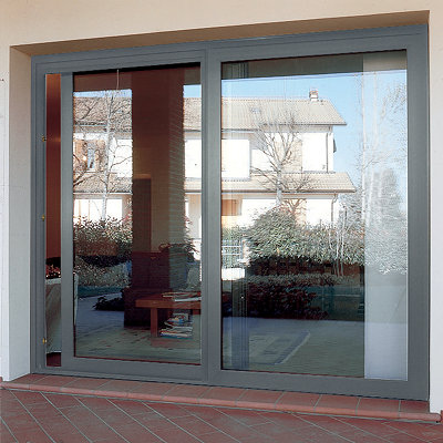 porta finestra scorrevole di grandi dimensioni